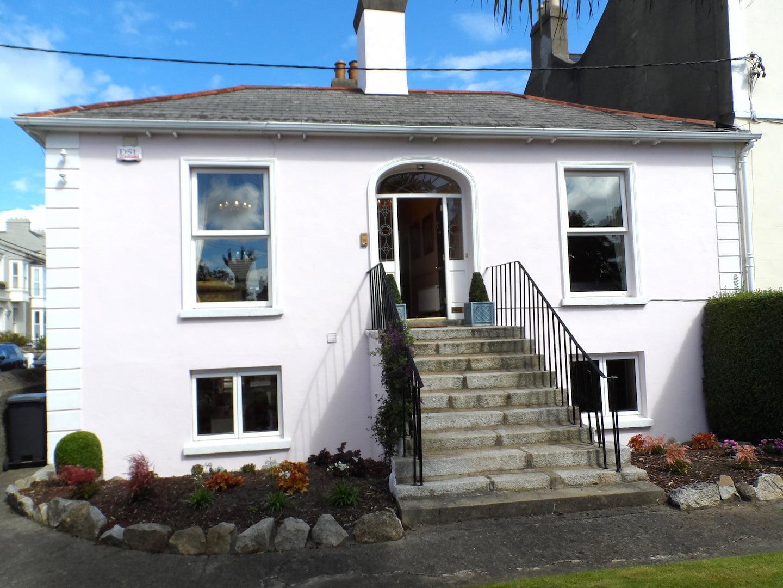 Sandycove, Co. Dublin – 3 Double Bedroom House
