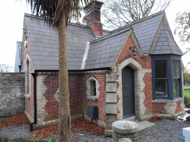 2 Double Bedroom Gate Lodge – Killiney, Co. Dublin. Ireland