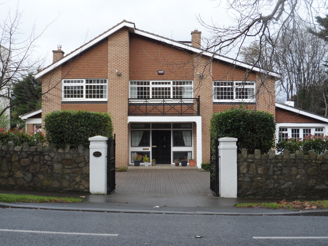 Large Detached House FOR SALE, Mount Merrion Ave, Blackrock, Co. Dublin