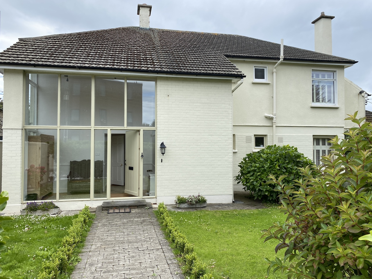 DALKEY FOR SALE – 4 to 5 Bedroom Detached Family Home