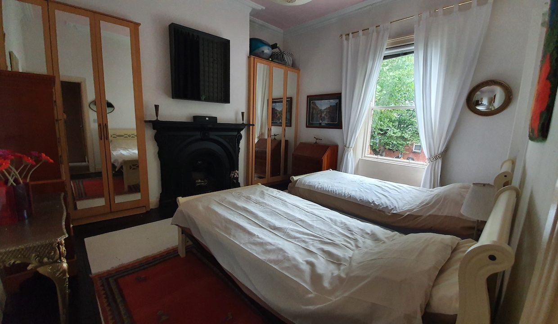 466_Front_Bedroom