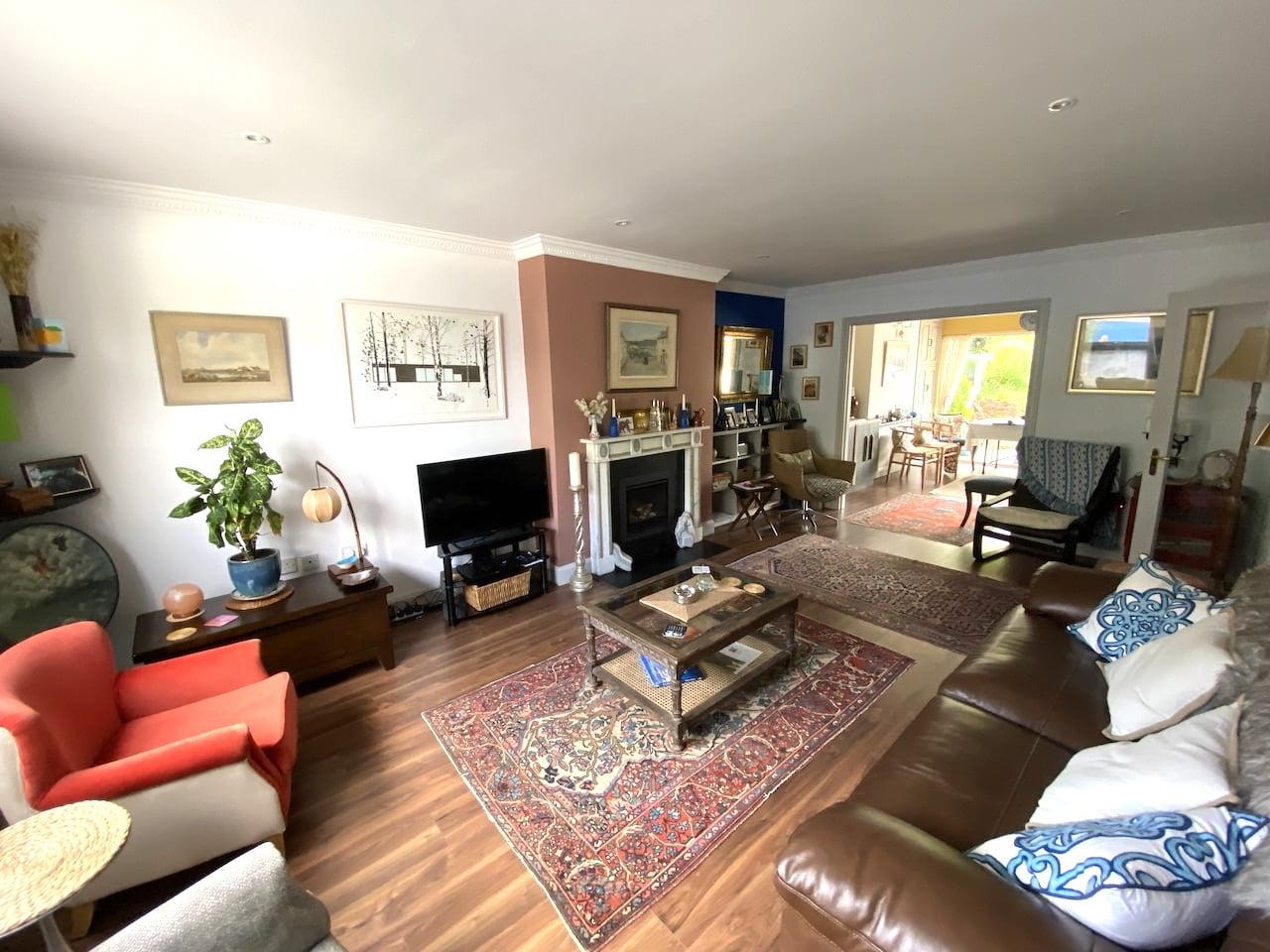 SOLD – Foxrock Village Spacious Modern 4 Bedroom Home – FOR SALE