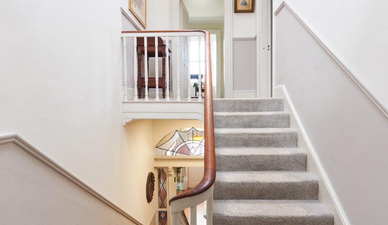 Stairs Landing x
